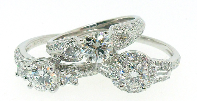 0.93ct Tw Round Diamond Halo Engagement Ring in Platinum